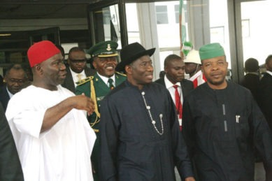 President-Goodluck-Jonathan-with-Deputy-Senate-President-Sen.-Ike-Ekweremadu-left-and-Deputy-Speaker-Emeka-Ihedhioa-right