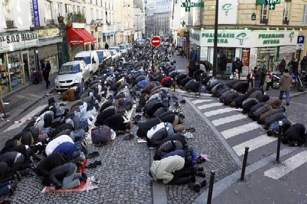 paris-street-prayers